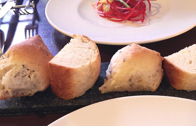 モーべギャルソン 自家製パン おかわり自由